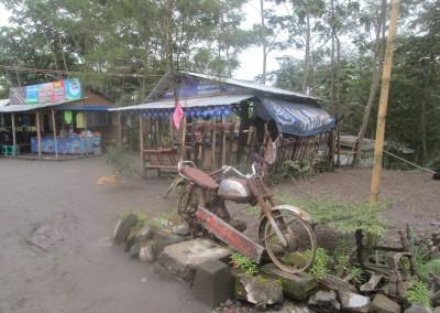 Motor-Sisa Hartaku-Lava Tour Kaliadem